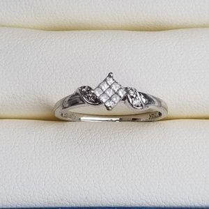 Jewelry - 14k white gold princess cut diamond ring